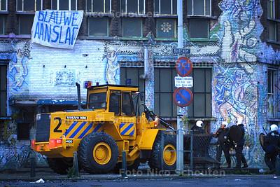 ONTRUIMING BLAUWE AAMSLAG - DEN HAAG 3 OKTOBER 2003 - FOTO: NICO SCHOUTEN