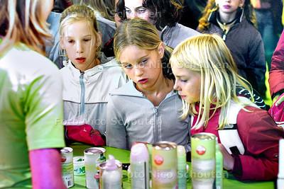 HC - TINADAG, DUINRELL - Van alles en nog wat voor meiden op de Tina Plaza - WASSENAAR 4 OKTOBER 2003 - FOTO: NICO SCHOUTEN