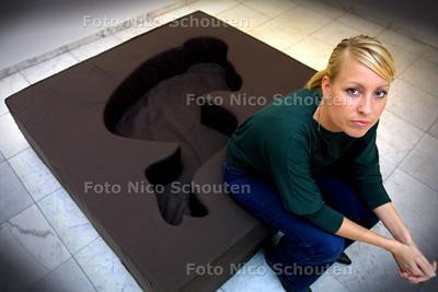 HC - MAAIKE STRENGHOLT, CURATOR - DEN HAAG 13 OKTOBER 2003 - FOTO: NICO SCHOUTEN