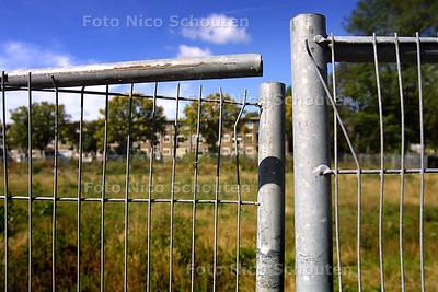 HC - HEK OM KALE VLAKTE OOSTERHESSELENSTRAAT - DEN HAAG 11 SEPTEMBER 2003 - FOTO: NICO SCHOUTEN