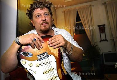 HC - JEAN PAUL VERDIJK, BLEUSMUZIEKANT - DEN HAAG 18 SEPTEMBER 2003 - FOTO: NICO SCHOUTEN