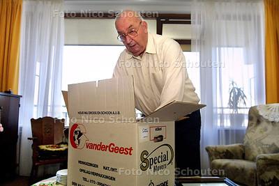 HC - VERHUIZING OUDEREN SWAENEHOVE - Hr. Heide - DEN HAAG 8 SEPTEMBER 2003 - FOTO: NICO SCHOUTEN