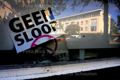 HC - POSTER LEEGSTAAND BEDRIJFSPAND NORGSTRAAT - DEN HAAG 11 SEPTEMBER2003 - FOTO: NICO SCHOUTEN