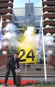HC - ROBERT TEN BRINK OPENT NIEUW GEBOUW LOTTO - DEN HAAG 24 SEPTEMBER 2003 - FOTO: NICO SCHOUTEN