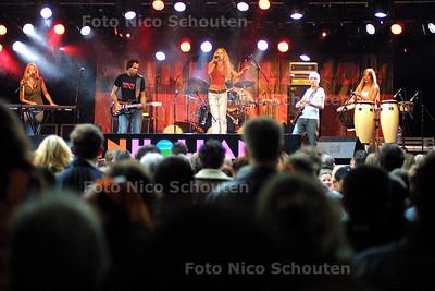 HC- TREBLE OP KONINGINNENACH 2004 - DEN HAAG 29 APRIL 2004 - FOTO: NICO SCHOUTEN