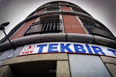 HC - REISBURO TEKBIR OP DE VAILLANTLAAN - DEN HAAG 13 APRIL 2004 - FOTO: NICO SCHOUTEN