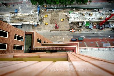 HC - WERKZAAMHEDEN RANDSTADRAIL, STATION TERNOOT - Een blik op de werkzaamheden vanaf de Monarch - DEN HAAG 14 AUGUSTUS 2004 - FOTO NICO SCHOUTEN
