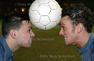 HC - NAJIM BOUTKABOUT (L) EN JOHN GELAUF - DEN HAAG 7 DECEMBER 2004 - FOTO NICO SCHOUTEN
