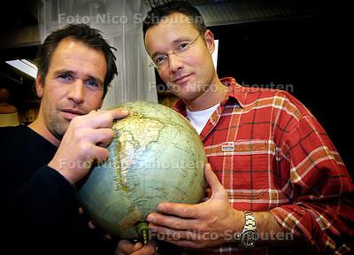 HC - ONTDEKKINGSREIS FORT BOEKOE - Manuel Rosdorff (L) en Barry Popma - DEN HAAG 22 JANUARI 2004 - FOTO: NICO SCHOUTEN