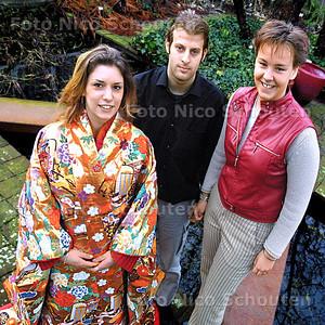 HC - LEERLINGEN WELLANT COLLEGE NAAR JAPAN - RIJSWIJK 20 JANUARI 2004 - FOTO: NICO SCHOUTEN