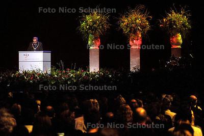 HC - HERDENKING HANS VAN WIEREN STATENHAL - Burgemeester Deetman spreekt - DEN HAAG 20 JANUARI 2004 - FOTO: NICO SCHOUTEN