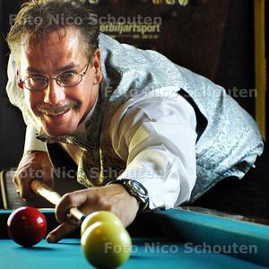 HC - RUUD DE VOS, KUNSTBILJARTER - VOORSCHOTEN 7 JUNI 2004 - FOTO NICO SCHOUTEN