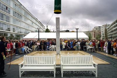 HC - OPENING BURGEMEESTER MONCHYPLEINPLEIN - DEN HAAG 12 JUNI 2004 - FOTO NICO SCHOUTEN