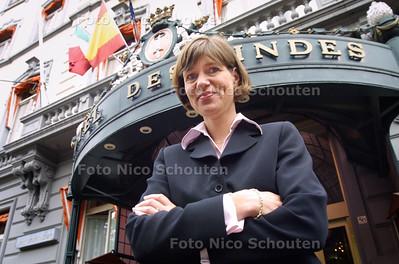 HC - CLAUDIA PRONK, DIRECTEUR HOTEL DES INDES