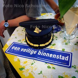 HC - BINNENSTADSBORREL, ATRIUM - DEN HAAG 8 JUNI 2004 -  FOTO NICO SCHOUTEN