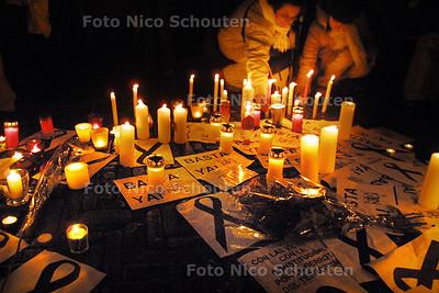 MANIFESTATIE BIJ AMBASSADE VAN SPANJE - DEN HAAG 12 MAART 2004 - FOTO: NICO SCHOUTEN