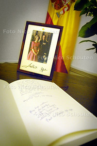 CONDOLEANCE AMBASSADE SPANJE - DEN HAAG 12 MAART 2004 - FOTO: NICO SCHOUTEN