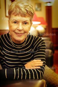 HC - RUTH RENDELL, SCHRIJFSTER - DEN HAAG 13 NOVEMBER 2004 - FOTO NICO SCHOUTEN