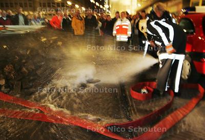 HC - OEFENING ONTRUIMING TRAMTUNNEL - DEN HAAG 6 OKTOBER 2004 - FOTO NICO SCHOUTEN