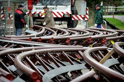 HC - NIEUWE ACHTBAAN DRIEVLIET - In drievliet is met druk bezig met de opbouw van een nieuwe achtbaan - RIJSWIJK 6 APRIL 2005 - FOTO NICO SCHOUTEN
