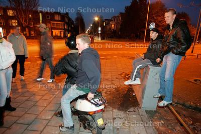 AD/HC - HANGROEPJONGEREN PLATAANSTRAAT - RIJSWIJK 1 DECEMBER 2005 - FOTO NICO SCHOUTEN