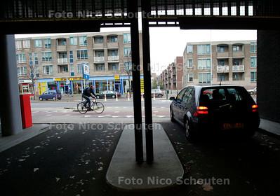 AD/HC - VERKEERSPROBLEEM (?) RIJSWIJKSE WEG / WALDORPSTRAAT, Andreh van der Kolk - DEN HAAG 2 DECEMBER 2005 - FOTO NICO SCHOUTEN
