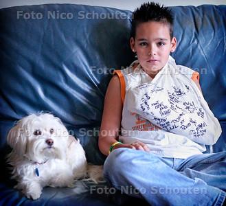 AD/HC - VUURWERKSLACHTOFFER JORDI - LEIDSCHENDAM 3 DECEMBER 2005 - FOTO NICO SCHOUTEN