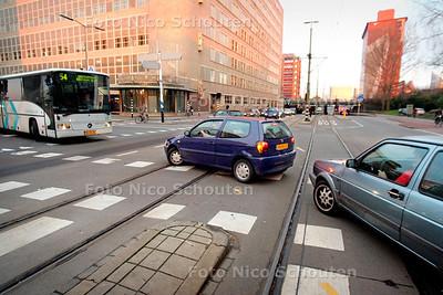 AD/HC - VERKEERSPROBLEEM (?) RIJSWIJKSE WEG / WALDORPSTRAAT, Andreh van der Kolk - DEN HAAG 1 DECEMBER 2005 - FOTO NICO SCHOUTEN