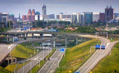 PRINS CLAUSPLEIN AUTOVRIJ - Door wegwerkzaamheden aan de A12 is er geen verkeer mogelijk - DEN HAAG 3 JULI 2004 - FOTO NICO SCHOUTEN