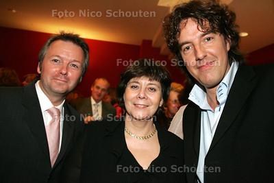 HC - BENEFIET VOOR WEESHUIS SRI LANKA, bij verhaal Gijsbert Spierenburg - DEN HAAG 16 FEBRUARI 2005 - FOTO NICO SCHOUTEN
