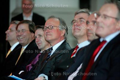 HC - AFSLUITING HOFSTADLEZING - directeur Ernst & Young (midden) - DEN HAAG 14 FEBRUARI 2005 - FOTO NICO SCHOUTEN