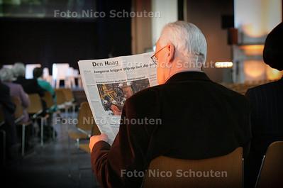 HC - AFSLUITING HOFSTADLEZING - vooraf leest men de HC - DEN HAAG 14 FEBRUARI 2005 - FOTO NICO SCHOUTEN