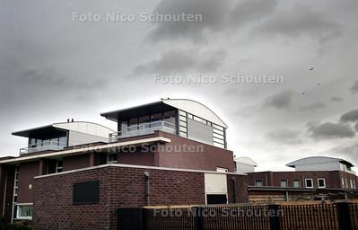 HC - DAKOPBOUWSELS BERNPAD, WATERINGSE VELD - DEN HAAG 7 JANUARI 2004 - FOTO NICO SCHOUTEN