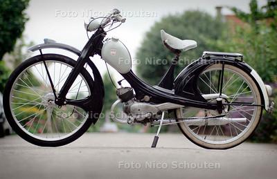 HC - OUDE BROMMER - bij verhaal Henk Zepers - BERKEL EN RODENRIJS 25 JULI 2005 - NICO SCHOUTEN
