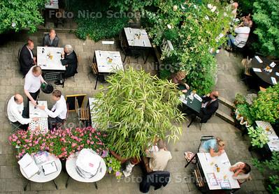 HC - TERRAS SCHLEMMER - DEN HAAG 13 JULI 2005 - FOTO NICO SCHOUTEN