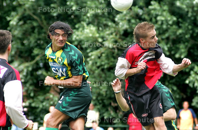 HC - OEFENDUEL, LAAKKWARTIER tegen ADO-DEN HAAG - Michael Mols kopt de tweede treffer in de goal - DEM HAAG 9 JULI 2005 - FOTO NICO SCHOUTEN