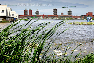 HC - NIEUW WINKELCENTRUM YPENBURG - Skyline gezien vanaf de Rijswijkse Waterweg - DEN HAAG 16 JUNI 2005 - FOTO NICO SCHOUTEN