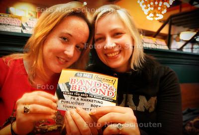 HC - MARJOLEIN(L) EN JULE, BANDS &BEYOND - DEN HAAG 3 MEI 2005 - FOTO NICO SCHOUTEN