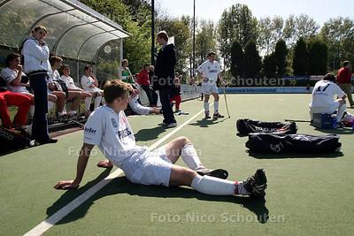 BNdeSTEM - HCHZ tegen BREDA, HOCKEY - Deceptie bij Breda - DEN HAAG 8 MEI 2005 - FOTO NICO SCHOUTEN