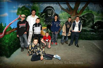 HC - MUURSCHILDERINGEN FIETSENKELDER WATERINGSEVELD - DEN HAAG 16 MEI 2005 - FOTO NICO SCHOUTEN