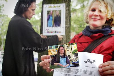 """HC - AKTIE GRIP, """"HOE LEEF JIJ ?"""" - vraagt aandacht voor arme ondernemers - DEN HAAG 7 MEI 2005 - FOTO NICO SCHOUTEN"""