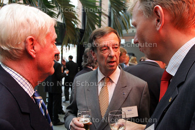 HC - CEES VAN DER LEDE, BIJEENKOMST VNO/NCW - bij verhaal Gijsbert Spierenburg - DEN HAAG 10 MEI 2005 - FOTO NICO SCHOUTEN