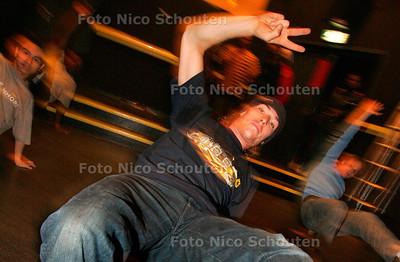 AD/HC - BREAKDANCECURSUS KJ44 - LEIDSCHENDAM 3 OKTOBER 2005 - FOTO NICO SCHOUTEN