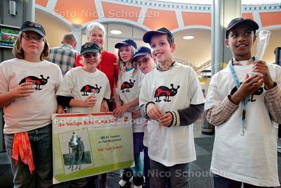 AD/RD - DE VEILIGE SCHOOLPRIJS 2005 - Basisschool de Tandem uit Oud-Beijerland heeft geen prijs gewonnen - DEN HAAG 3 OKTOBER 2005 - FOTO NICO SCHOUTEN