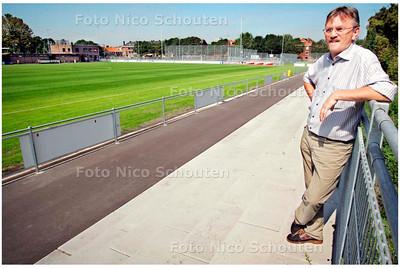 AD/HC - liggende foto van voorzitter kees vd hoorn van laakkwartier - DEN HAAG 16 AUGUSTUS 2006 - FOTO NICO SCHOUTEN