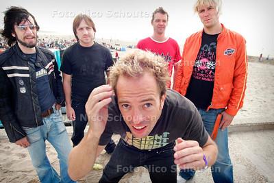 AD/HC - ROCKBAND SEVEN - Kort na hun optreden op Schollenpop - 5 AUGUSTUS 2006 - FOTO NICO SCHOUTEN