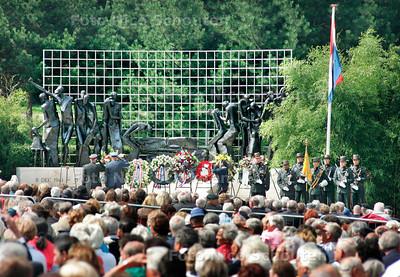 GPD - 15 AUGUSTUS HERDENKING JAPANSE CAPITULATIE, INDISCH MONUMENT - DEN HAAG 15 AUGUSTUS 2006 - FOTO NICO SCHOUTEN