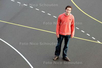 AD/HC - Hercules-handballer Robbert Houdijk - YPENBURG DEN HAAG 13 DECEMBER 2006 - FOTO NICO SCHOUTEN
