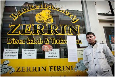 AD/HC - BAKKERIJ ZERRIN MOET DEUR SLUITEN - Bakker Servet is boos, broer Hasan is bij de advocaat - DEN HAAG 1 FEBRUARI 2006 - FOTO NICO SCHOUTEN