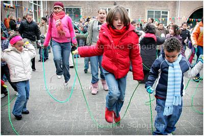 AD/HC - TOUWSPRINGEN TEGEN OVERGEWICHT, Basisschool De drie Linden - DEN HAAG 1 FEBRUARI 2006 - FOTO NICO SCHOUTEN